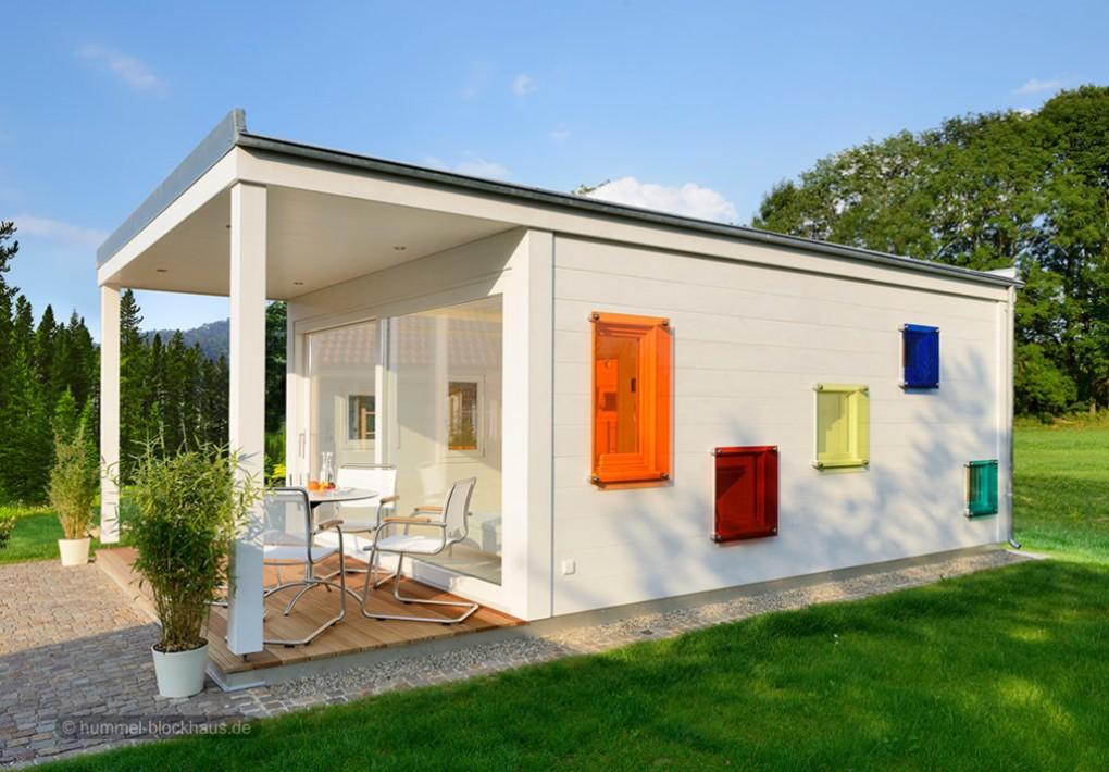 design gartensauna aussensauna saunahaus colorispa in moderner kubusform hummel blockhaus. Black Bedroom Furniture Sets. Home Design Ideas